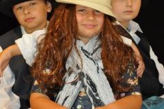 Dzieci pozujące w stylizacji żydowskiej