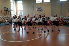 tańczące cheerleaderki